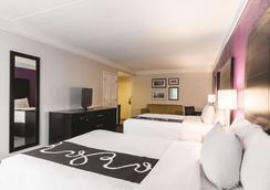 La Quinta Inn & Suites by Wyndham San Antonio Downtown - San Antonio - Bedroom