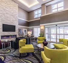 La Quinta Inn & Suites by Wyndham San Antonio Downtown