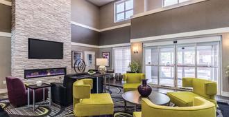 La Quinta Inn & Suites by Wyndham San Antonio Downtown - סן אנטוניו - טרקלין