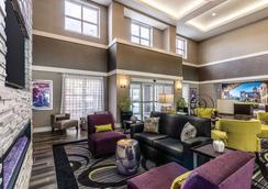 La Quinta Inn & Suites by Wyndham San Antonio Downtown - San Antonio - Lobby