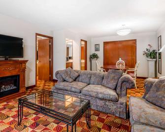 Baymont by Wyndham Plainfield/ Indianapolis Arpt Area - Plainfield - Wohnzimmer