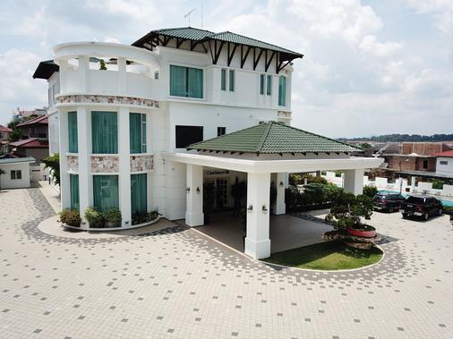 Casa Bianca - Kluang - Building