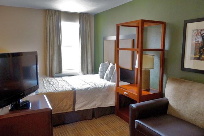 Extended Stay America - Phoenix - Airport - E. Oak St. - Phoenix - Bedroom