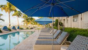 海緣基韋斯特碼頭酒店 - 西嶼 - 基韋斯特 - 游泳池