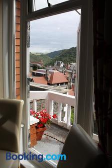 Rockvale House - Lynton - Balcony