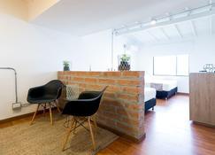 Apartamento Lleras Verde Azul - เมเดยิน - ห้องนั่งเล่น
