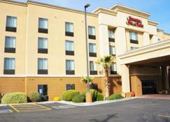 Hampton Inn and Suites-Kingman - Kingman - Building
