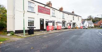 OYO Seven Stars Inn - Durham - Toà nhà