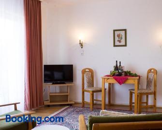 Appartementhaus Martin - Badenweiler - Wohnzimmer