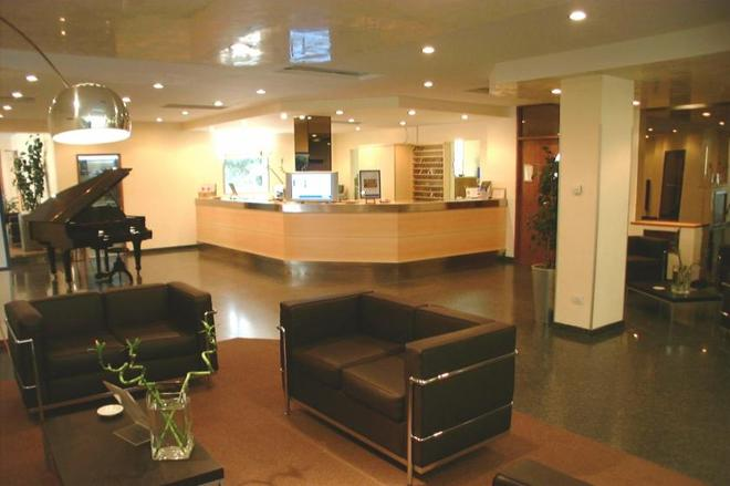 First Hotel - Calenzano - Front desk