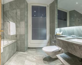 Edelweiss Swiss Quality Hotel - Sils im Engadin/Segl - Bathroom