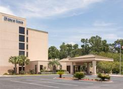 Days Inn by Wyndham Myrtle Beach - Myrtle Beach - Building