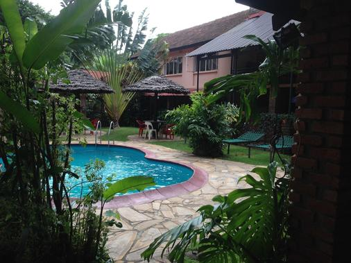 Outpost Lodge - Arusha - Bể bơi