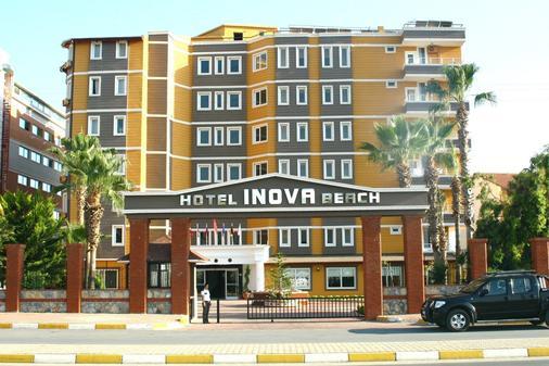 森薩伊諾瓦式海灘飯店 - Konakli - 建築