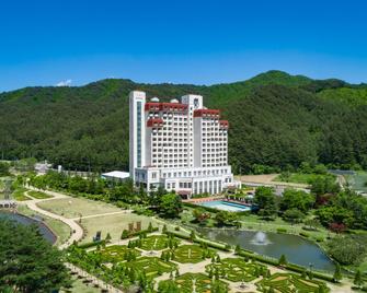 Kensington Hotel Pyeongchang - Pyeongchang - Building