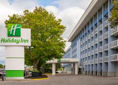 Holiday Inn Kingston-Waterfront - Kingston - Edifício