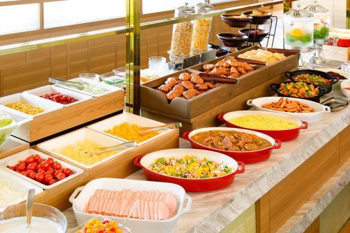 Candeo Hotels Tokyo Shimbashi - Tokyo - Buffet