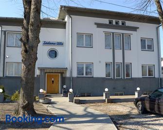 Sadama street Villa - Pärnu - Gebouw