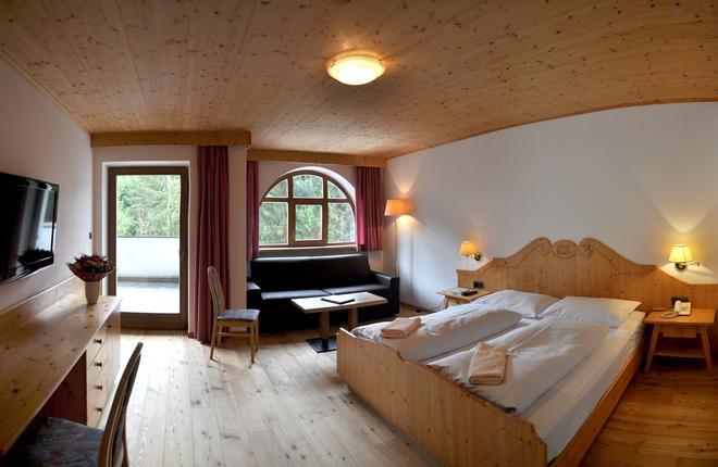 Berghotel Pine - Deutschnofen - Bedroom