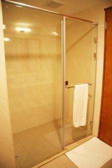 Fushin Hotel - Tainan - Tainan - Kylpyhuone