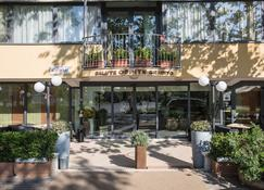 Hotel Club Misano - Misano Adriatico - Rakennus