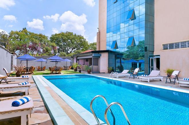Mash Park Hotel - Nairobi - Pool