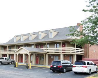 Motel 6 Dayton, OH - Dayton - Building