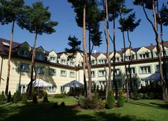 Hotel Wilga by Katowice Airport - Pyrzowice - Building