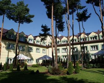 Hotel Wilga by Katowice Airport - Pyrzowice - Gebäude
