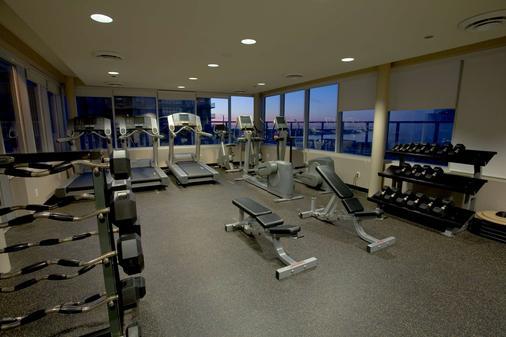 維斯特王套房酒店 - 多倫多 - 多倫多 - 健身房