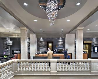 One King West Hotel & Residence - Toronto - Lobby