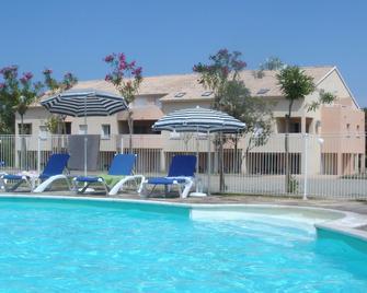 Residence Le Domaine de Melody - Santa-Maria-Poggio - Pool