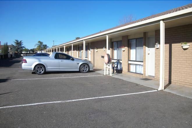 Country Home Motor Inn - Shepparton - Building