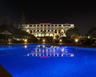 Hotel Shanker - Katmandú - Piscina