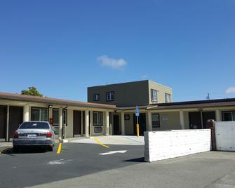Fortuna Redwood Inn - Fortuna - Building