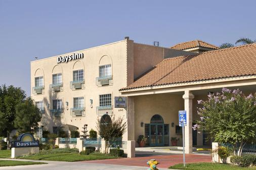 Days Inn by Wyndham Riverside Tyler Mall - Riverside - Toà nhà