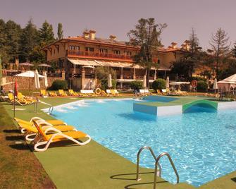 Hotel Rural Spa Hacienda Los Robles - Navacerrada - Басейн