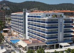 Hotel Riviera - Santa Susanna - Building