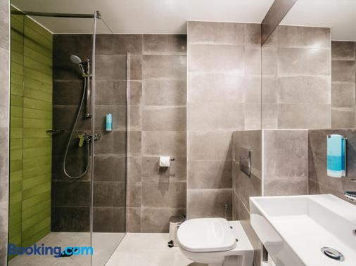 Q Hotel Plus Katowice - Katowice - Phòng tắm
