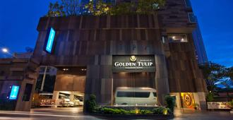 Golden Tulip Mandison Suites - Bangkok - Gebäude