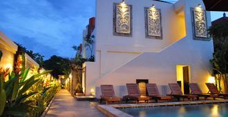 Sari Villa Sanur Beach - Denpasar - Piscina