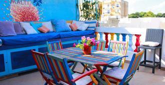 Hostel Malti - St. Julian's - Patio