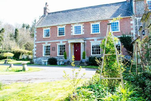 Rollestone Manor - Salisbury - Building