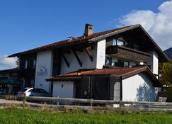 Alpchalet Schwanstein - Füssen - Rakennus