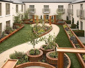 Westport Plaza Hotel - Castlebar - Venkovní prostory