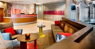 SpringHill Suites by Marriott Columbus OSU - Columbus - Front desk