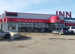 The Ritz Cafe and Motor Inn - Whitecourt - Edifício