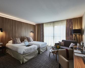 Forges Hotel - Forges-les-Eaux - Slaapkamer