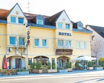 Hotel Das Kronprinz - Troisdorf - Gebouw