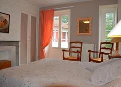 La Closerie du Guilhat - Salies-de-Béarn - Bedroom